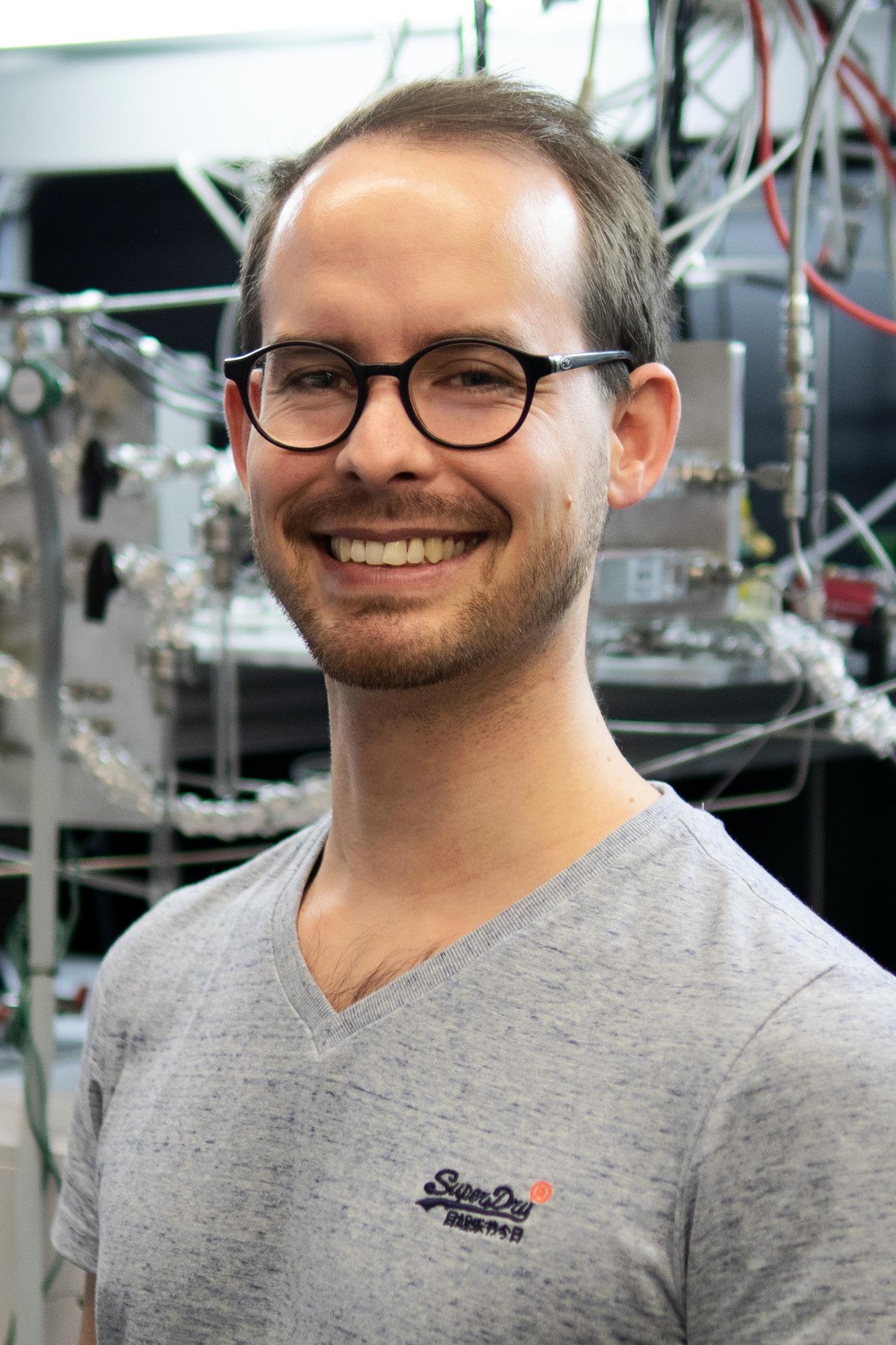 Simon Schötz